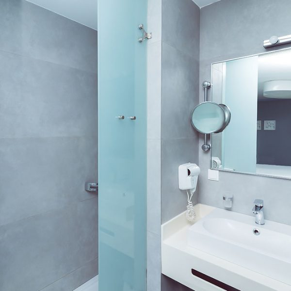 Bathroom - Rooms and Suites images - KASTRO HOTEL, Gallery of Photos